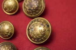 LOT DE 21 BOUTONS ANCIENS, LYCÉE DE RODEZ - Boutons