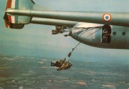 PARACHUTISME...LARGAGE D UN NORD 2.501 - Paracaidismo