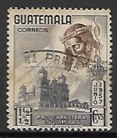 GUATEMALA      -   1957 .  Tête Du Christ Avec Couronne D'épines.  Surtaxé.   Oblitéré - Guatemala