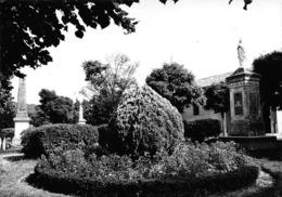 Le FAUGA - Le Jardin Devant L'Eglise - France