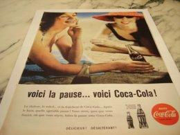 ANCIENNE PUBLICITE VOICI LA PAUSE PLAGE COCA COLA 1960 - Affiches Publicitaires