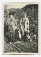 PHOTOGRAPHIE. La Chasse Aux Gibiers.deux Chasseurs.chiens.fusil. .   .E.74 - Fotografía