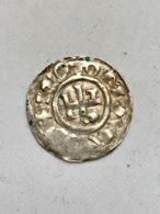 DENIER D HUGUE ARCHEVÊQUE DE ROUEN AU NOM DE RICHARD (943-996) - 476-1789 Monnaies Seigneuriales