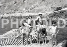 1972 CHILDREN PENICHE PORTUGAL AMATEUR HALF 35mm ORIGINAL NEGATIVE Not PHOTO No FOTO - Photography