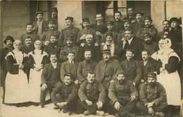 231019A - CARTE PHOTO GUERRE 1914 18 - Hôpital Militaire Infirmière Blessé Convalescent - Guerre 1914-18