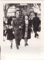 7ém R. T. A. : Soldat Avec Sa Femme Et Enfant Au Départ De Toulon : ( Format 9cm X 6,5cm ) - War, Military