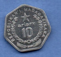 Madagascar   --  10 Ariary 1999 -  état SUP - Madagaskar