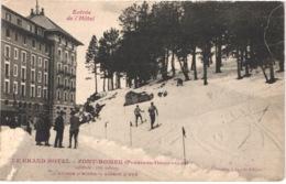 FR66 FONT ROMEU - Collection Sports D'hiver - Entrée De L'hôtel - Skieurs - Animée - Belle - France