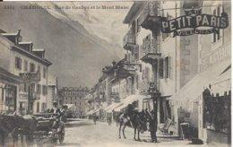 74 CHAMONIX MONT BLANC CALECHE ET MULETIER RUE DE GENEVE AUJOURD HUI RUE VALLOT  Editeur GILETTA  8542 - Chamonix-Mont-Blanc