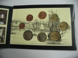 Coffret FDC IRLANDE  2004 Reginald's Tower Waterford - Uncirculated Coin Set 2004  ***** EN ACHAT IMMEDIAT **** - Chipre