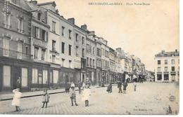25/13     76   Neufchatel En Bray   Place Notre-dame  (animations) - Neufchâtel En Bray