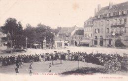 """23- GUERET (Creuse)- Un Côté De La Place Bonnyaud-""""Hôtels De La PAIX Et Hôtel GIRAUDON""""-""""Brasserie St-YRIEX""""-.De NUSSAC - Guéret"""