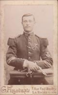 Photographie  C D V  Militaire 93 Régiment D'infanterie La Roche Sur Yon  Photo Fillodeau La Roche Sur Yon ( Ref 523 ) - Anciennes (Av. 1900)