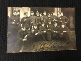 Carte Postale Ancienne Photographie Troupe En Uniforme (en Souvenir De Votre Frère Henri) - Personnes Anonymes
