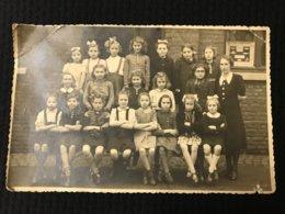 Carte Postale Ancienne Photographie  CLASSE DE FILLESSt GILLES - Personnes Anonymes