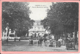 Ligueil - Place Du Marché Aux Volailles - Autres Communes
