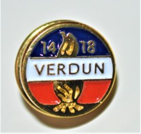 Rare Pin's Insigne  Verdun 14-18 - 1914-18