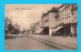 CPA ATH : Place De La Gare - Petite  Anim. - Circulée En 1929 - Edit. S-D. 129 R. Rogier, Brux - 2 Scans - Ath