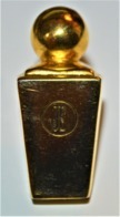 Rare Pin's Parfum JE Jacques Esterel - Parfums