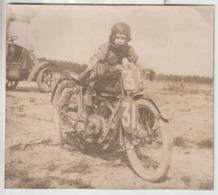 Grande Photo Originale Sur Carton (15x16,5 Cm) - Moto De Course Ancienne Et Enfant - Motorbikes