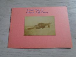 Photo ( 18 )  Foto  :   Oorlog  Guerre - Bouée Marine échouée à La Panne - Guerre, Militaire