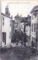42 - Loire - PERREUX - Une Vieille Rue - Autres Communes