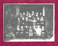 PHOTO 12 X 9 Cm Des Années 1900 ..Classe De Jeunes Filles Chez Les Religieuses à Localiser - Personas Anónimos