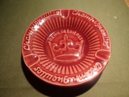 Tabac. Cendriers. Cendrier Publicitaire Champigneulles Reine Des Bières. La Couronne (céramique Sarreguemines) - Porcellana