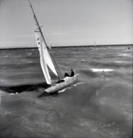 Rare Négatif 6 X 6 Cm  Bateau à Voile En Navigation - Boats