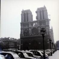 Rare Négatif 6 X 6 Cm Notre Dame Paris Avec Vieilles Voitures 1950-60 - Boats