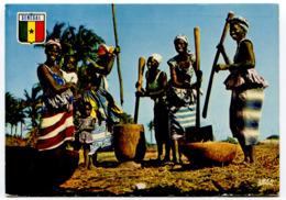 Senegal - Village Scene - Woman - Femme - Senegal