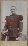 CDV Soldat Du 82e R-photo Dietrich à Montargis - Guerre, Militaire