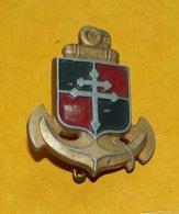 9° Division D'Infanterie Coloniale, Aluminium Peint, A.Augis à Gauche, FABRICANT AUGIS LYON ,HOMOLOGATION SANS ,ETAT VOI - Armée De Terre