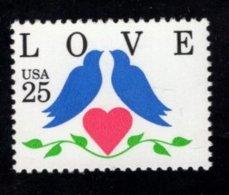 862289152 SCOTT 2440 POSTFRIS MINT NEVER HINGED EINWANDFREI (XX) - LOVE STAMP HEART DOVES - United States