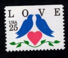 862289983 SCOTT 2441 POSTFRIS MINT NEVER HINGED EINWANDFREI (XX) - LOVE STAMP HEART DOVES - United States