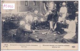 MILITARIA- 1914- SENEGALAIS ET ALGERIENS BLESSES S AMUSANT AUX LOTO - Guerre 1914-18