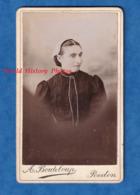 Photo Ancienne CDV Vers 1890 - REDON - Portrait Femme Avec Coiffe - Photographe A. Bouteloup - Folklore Breton Bretagne - Photos