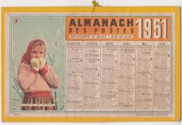 Calendrier 1951 Almanach Des Postes / Fillette Aux Mitaines & Jeune Moissonneuse - Calendarios