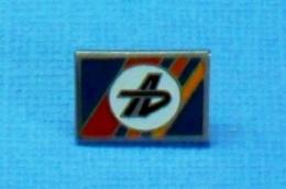 1 PIN'S //  ** LOGOS / SIGNALISATIONS AUTOROUTES ** . (GF. Groupe FIA)) - Andere
