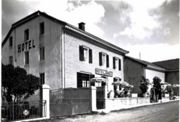 LA CURE ... HOTEL ARBEZ - Frankreich