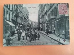 Paris Rue Des Couronnes - France