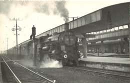 241019 - PHOTO D BREHERET Chemin De Fer Gare Train - AUTRICHE Années 1950 Gare De LINZ Locomotive 135-328 - Linz