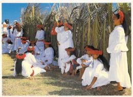 Polynésie Française Chanteuses Du Groupe De Danse Folklorique HEIKURA NUI (1) @ (photo T.Sylvain Tahiti 826 - Polynésie Française