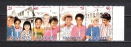VANUATU  N° 1013 à 1016 SE TENANT  NEUFS SANS CHARNIERE  COTE  6.50€  NOEL ENFANTS  EGLISE - Vanuatu (1980-...)