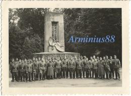 Campagne De France 1940 - Forêt De Compiègne (Oise) - Le Monument Aux Alsaciens-Lorrains (près Rethondes) - RAD - Guerra, Militares