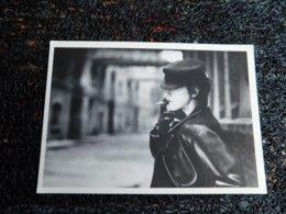 Cigarette Girl, Geoff Stern   (i9) - Illustrateurs & Photographes