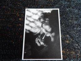 Femme Avec Cigarette, Jörg Zboralski, Tushita   (i9) - Illustrators & Photographers