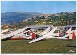 Carte Postale 83. Fayaence  Le Club De Planeurs  Avion Trés Beau Plan - Fayence