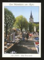 Les Moutiers-en-Retz (44) : Un Jour De Brocante Sur La Place De L'église - Les Moutiers-en-Retz
