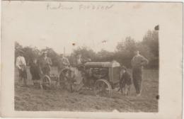 CPA   CARTE PHOTO  TRACTEUR FORDSON - Tracteurs